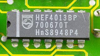 DOV-1X - Philips HEF4013BP on printed circuit board-9790.jpg