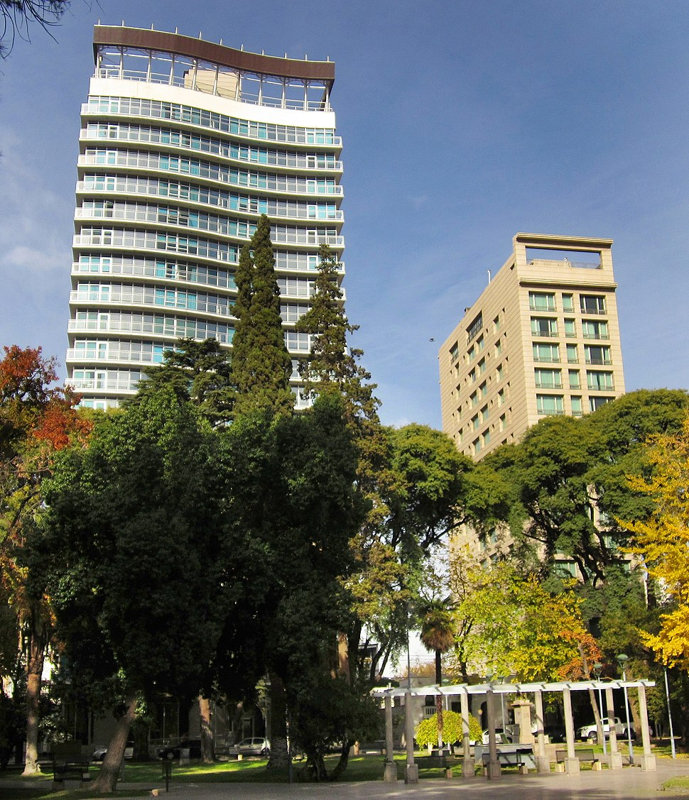 Da Vinci building (at the left), in Mendoza, Argentina. Considered one of the 1000 architectures of the Americas.