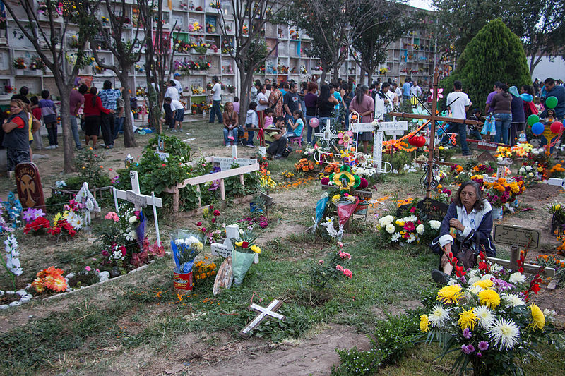 File:Day of the dead at mexican cemetery 3.jpg