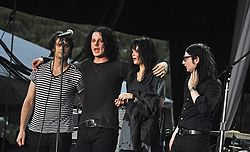 The Dead Weather, (från vänster: Dean Fertita, Jack White, Alison Mosshart och Jack Lawrence)