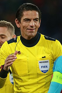 Deniz Aytekin football referee