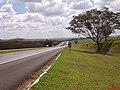 Descida do Vale do Rio Sapucaí - Rodovia Anhanguera - SP-330 Km 375 - panoramio.jpg