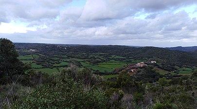 Desde castell de santa águeda la costa sud de ciutadella.jpg