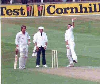 Dickie Bird - Dickie Bird standing between Ian Botham and Richard Hadlee at Trent Bridge