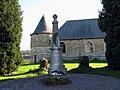 Dommery monument-aux-morts et église fortifiée.jpg
