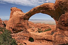 Double-O-Arch