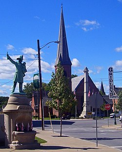Central Walden, with memorials and St. Andrew's Episcopal Church, in 2007