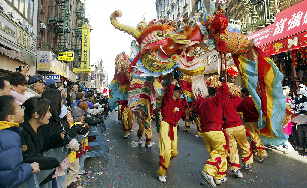 File:Dragon in Chinatown NYC Lunar New Year.jpg - Wikimedia Commons