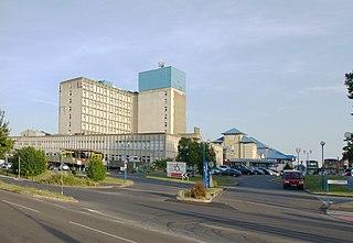 Ealing Hospital Hospital in England