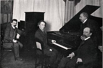 Emil von Sauer - Emil von Sauer, November 25, 1905 recording for  Welte-Mignon in Leipzig. Left: Karl Bockisch