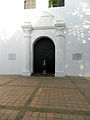 Entrada lateral e la Catedral de Coro.JPG