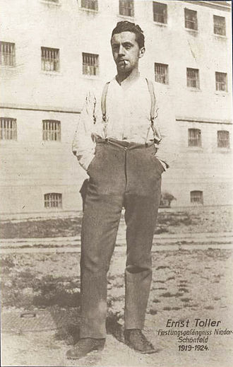 Ernst Toller - Ernst Toller during his imprisonment in the Niederschönenfeld fortress (early 1920s)