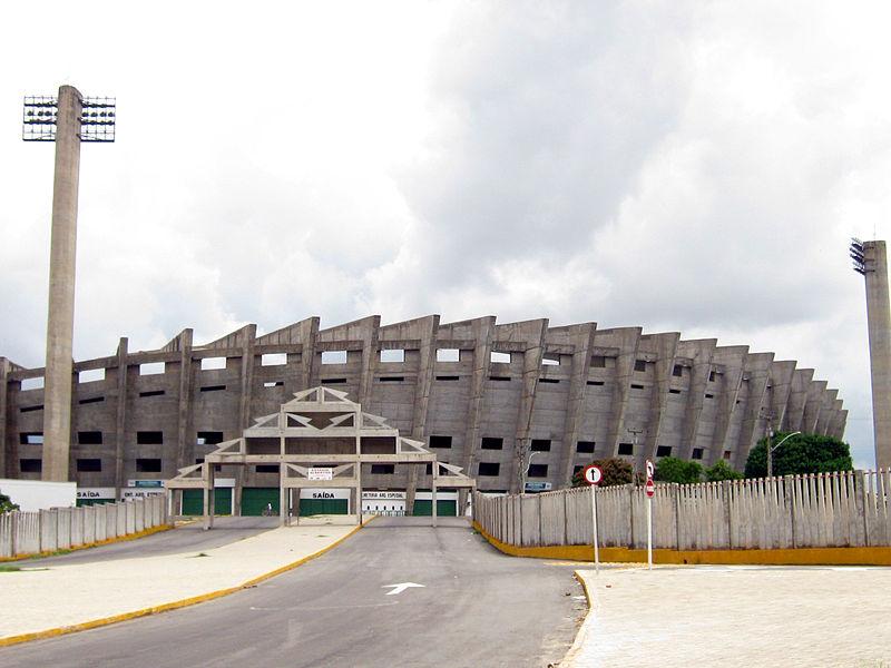 Ficheiro:Estádio Governador Alberto Tavares Silva, Teresina PI.jpg