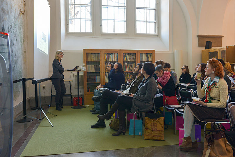 File:Europeana Fashion Editathon 2013 02.jpg