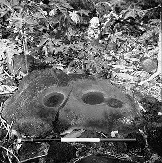 Archaeology of Samoa - Grinding stones