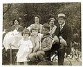Familienfoto der Müllers um 1920.jpg