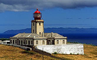 Ribeirinha (Horta) - The Ribeirinha Lighthouse as it looked prior to the events of 9 July 1998