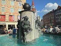 Fischbrunnen - München (1).JPG