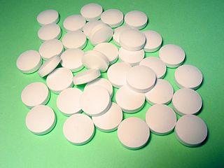 http://upload.wikimedia.org/wikipedia/commons/thumb/0/00/FlattenedRoundPills.jpg/320px-FlattenedRoundPills.jpg