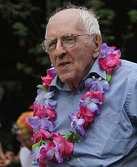 Frank Kameny June 2010 Pride 1.jpg