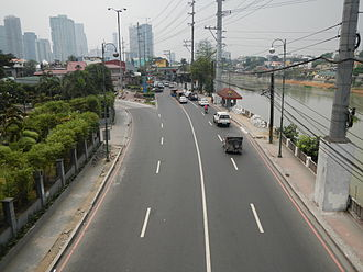 J. P. Rizal Avenue - Looking west towards Rockwell Center from the Guadalupe Bridge