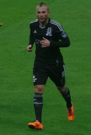 Gökhan Töre - Töre in action for Beşiktaş in February 2014