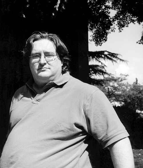 Gabe Newell - 2002