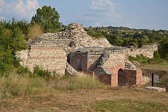 Gamzigrad - Image: Gamzigrad Felix Romuliana (by Pudelek) 5 East Gate