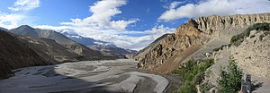Gandaki River - In Nepal, the river quickly crosses different zones of climate