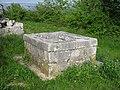 Gardun, Trilj, Hrvatska - stari bunar.jpg