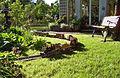 Gartenbahn mit gartendekor.jpg