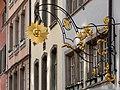 """Gasthausschild """"zur Sonne"""" in Winterthur.jpg"""
