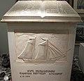 Gedenktafel im Nautischen Museum.jpg