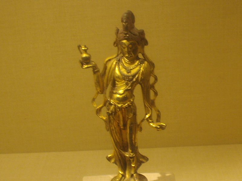 File:Gilded bronze avalokitesvara, Tang Dynasty.JPG