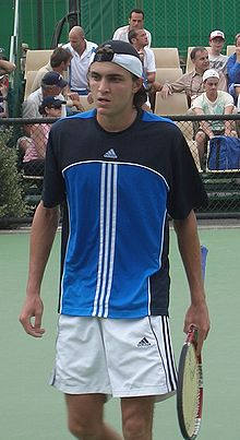 Wikipedia: Gilles Simon at Wikipedia: 220px-Gilles_Simon_2006_Australian_Open