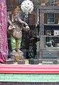 Glastonbury-12-Schaufenster-2004-gje.jpg