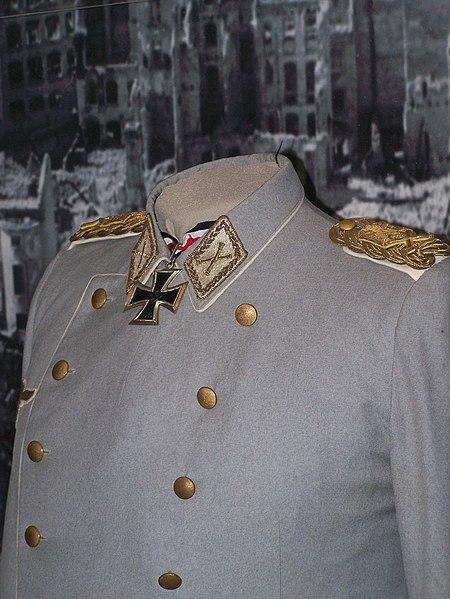 Bestand:Goering uniform.jpg