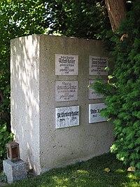 Grave of Alfred Roller, Mileva Roller and Franz Paukert, Vienna, 2018.jpg