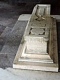 Graveyards in in tomb of Humayun 05.jpg