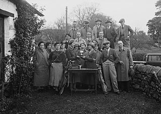 Group of golfers with a trophy