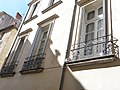 Hôtel de Fizes (Montpeller) - Finestres.jpg
