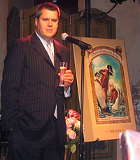 Daniel Handler saat pesta perayaan publikasi buku The End, buku ke -13 dan terakhir dari A Series of Unfortunate Events, pada 12 Oktober 2006 di New York City