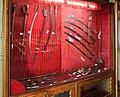 Harar, casa di ras tafari, vetrine con armi bianche e da sparo 01.jpg