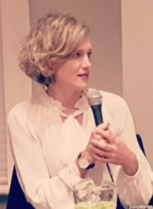 Heather O'Neill speaking at a book panel in 2016
