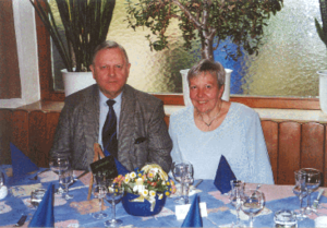 Helmut Kirchmeyer - Helmut Kirchmeyer and his wife Eva in Darmstadt, 2005