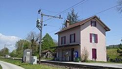 Henniez railway station.jpg