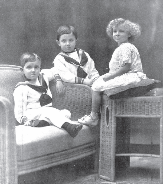 File:Hijos de Alfonso XIII por Franzen.png