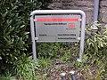 Hinweistafel auf das Tagungszentrum - panoramio.jpg