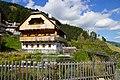 Holzbauweise im Almdorf Seinerzeit (Resort), Nockberge, Kärnten.jpg