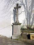 Horní Kounice - kříž u kostela.jpg